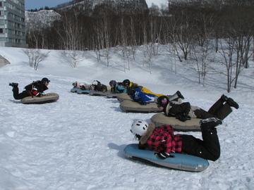 <span>国内エアーボードツアーのパイオニア</span>カッパCLUBだからこそのみなかみ町周辺スキー場の特別滑走許可!!